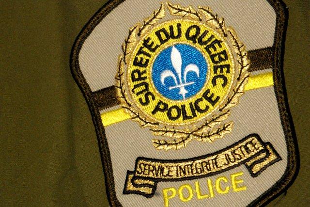 Un policier de la Sûreté du Québec (SQ) se trouve dans l'embarras après avoir...