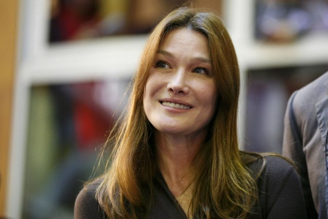 Carla Bruni... (PHOTO EMMANUEL FOUDROT, REUTERS)