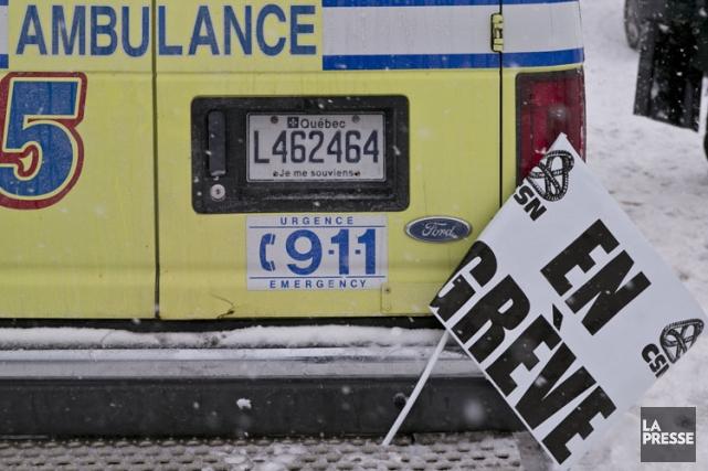 La grève des ambulanciers perturbe le fonctionnement des urgences, estime... (Photo: Hugo Sébastien Aubert, La Presse)