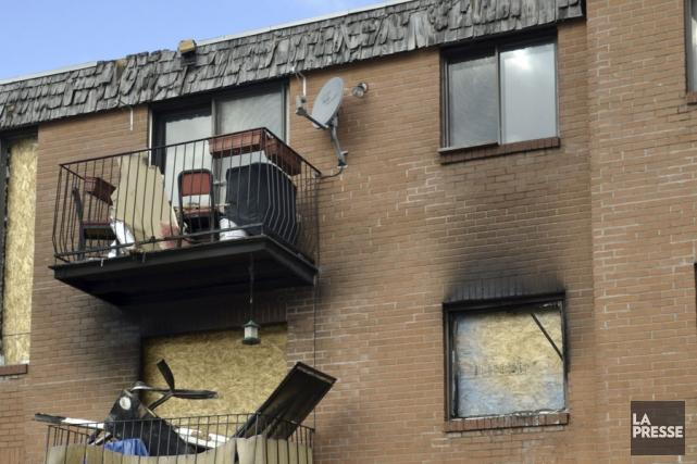 L'incendie d'un immeuble à logements de la rue... (photo archives La Voix de l'Est)