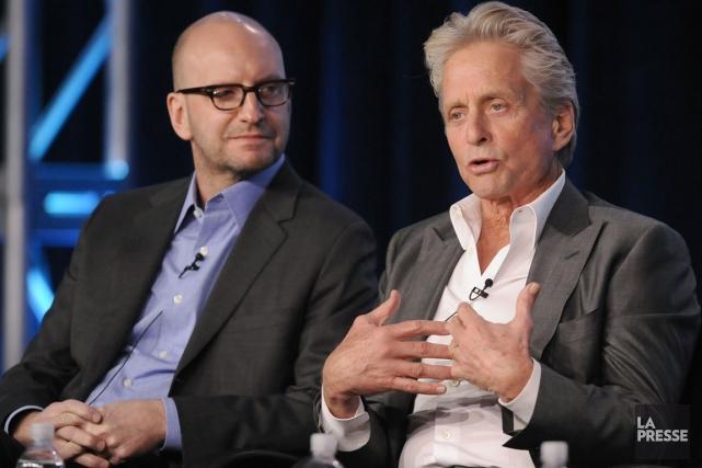 Le réalisateur Steven Soderbergh et Michael Douglas qui... (PHOTO GUS RUELAS, REUTERS)