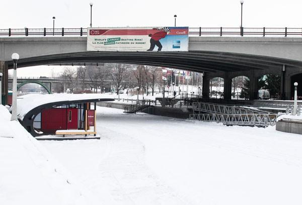 La patinoire du canal Rideau est maintenant rouverte... (Patrick Woodbury, Archives LeDroit)