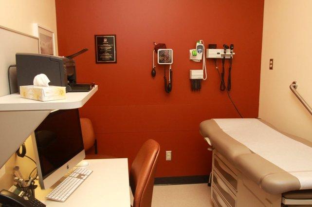 Dans sa répartition des nouveaux postes de médecins... (Patrick Woodbury, LeDroit)