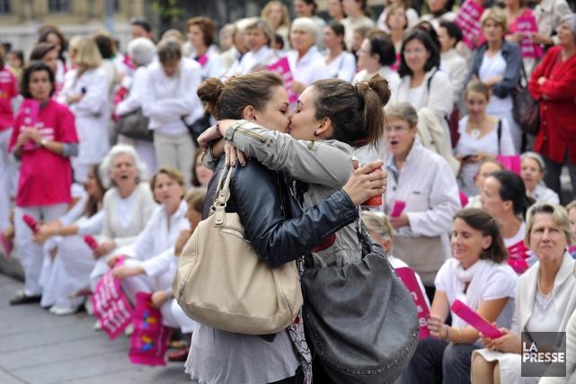Les Françaises représentent 80% des 833 patientes traitées... (PHOTO GÉRARD JULIEN, AFP)