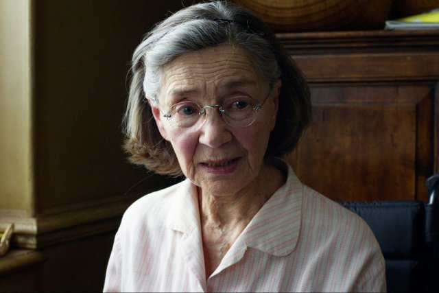 Emmanuelle Riva dans une scène du film Amour... (PHOTO ASSOCIATED PRESS)