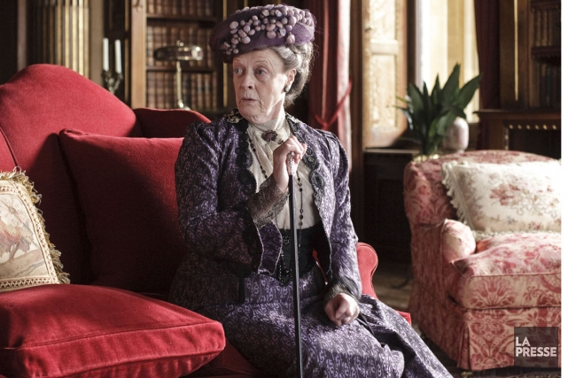 Maggie Smith (Violette) dans Downton Abbey.... (Photo Radio-Canada)
