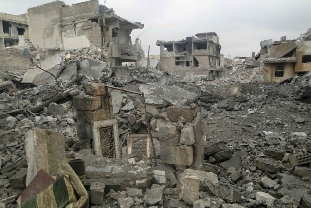 Les dégâts laissés par les attaques sont importants... (PHOTO MAHMOUD HASSANO, REUTERS)