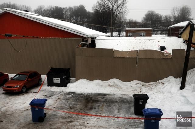 Le toit de l'entreprise B.M. Excavation, située dans... (Photo: François Gervais)