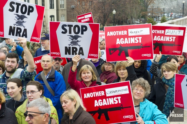 Manifestation contre la National Rifle Association (NRA) à... (PHOTO PAUL J. RICHARDS, AFP)