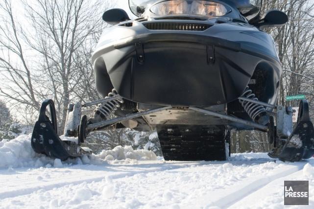 Un motoneigiste de 50 ans a subi des blessures sérieuses samedi soir à la suite... (Photo archives)