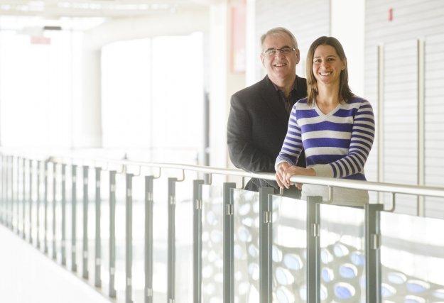 Le journaliste sportif Jean Arel et la volleyeuse... (Imacom Jessica Garneau)