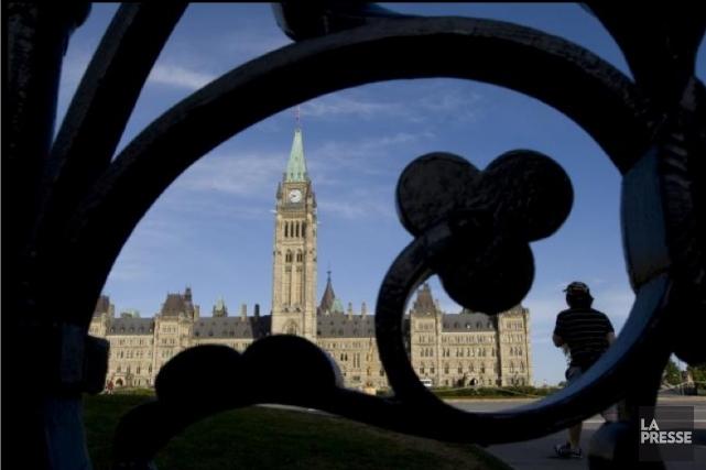 Les compressions imposées par le gouvernement Harper à l'administration ... (Photothèque Le Soleil)