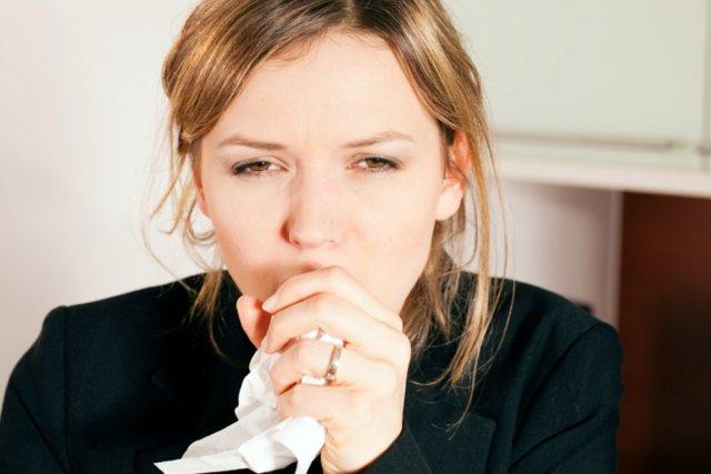 De nouvelles recherches montrent qu'on sous-estime souvent la durée de sa toux,... (PHOTO PHOTOS.COM)