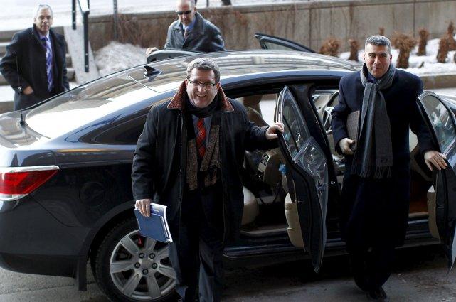 Le maire Régis Labeaume et son attaché de... (Le Soleil, Yan Doublet)