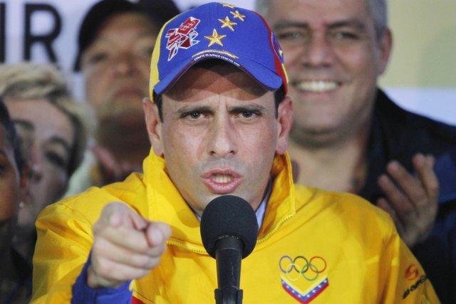 «Si le président de la République peut signer... (PHOTO CARLOS GARCIA RAWLINS, REUTERS)