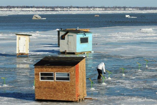 Ici, on aperçoit quelques cabanes à pêche qui... (Photo: François Gervais)