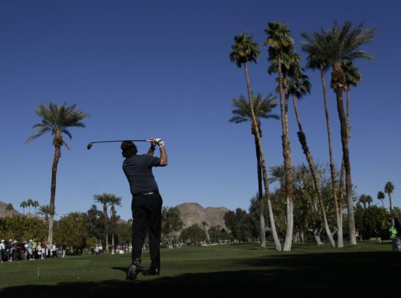 Phil Mickelson a joué 67... (PHOTO CHRIS CARLSON, AP)