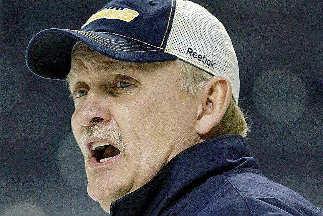 Lindy Ruff a dirigé les Sabres de Buffalo... (Photo : archives Associated Press)