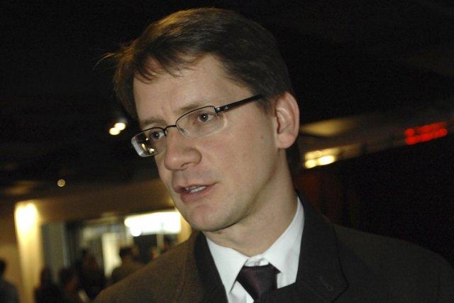 Le ministre des Transports du Québec Sylvain Gaudreault... (Photo: Stéphane Bégin, Le Quotidien)