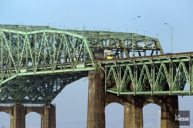 Le Bureau des partenaires du pont Champlain songe à demander au gouvernement... (Photo Martin Chamberland, archives La Presse)