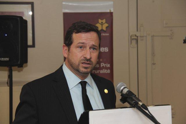 Le ministre du Développement durable et de ... (photo Janick Marois)