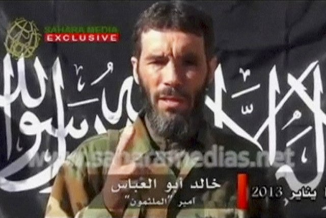 Mokhtar Belmokhtar, alias Le Borgne ou encore monsieur... (IMAGE SAHARA MEDIA/REUTERS TV)