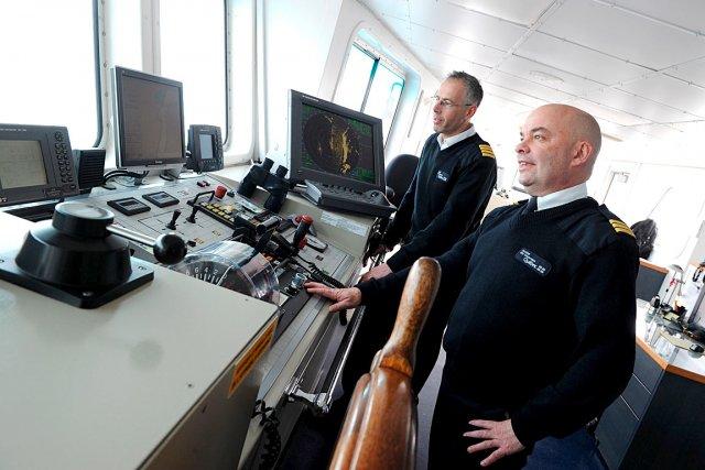 Le capitaine Michel Parent et le lieutenant Jean-Yves... (Le Soleil, Erick Labbé)