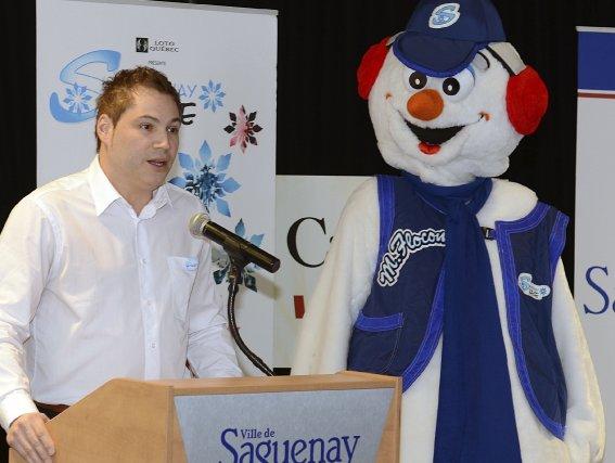 La présidence d'honneur de Saguenay en neige a... (Photo Jeannot Lévesque)