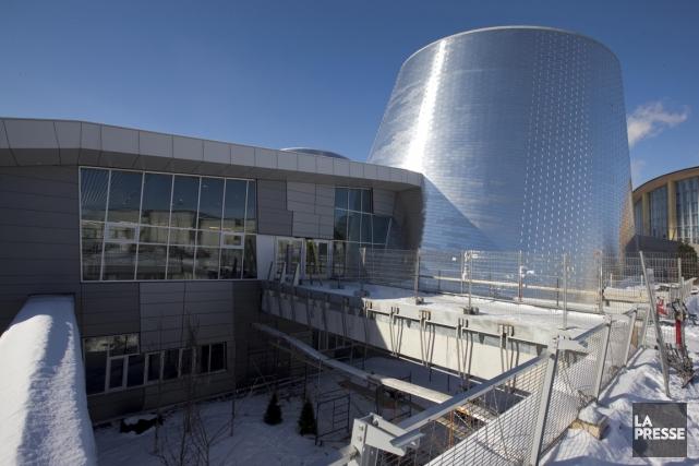 Le Planétarium, désormais situé à l'ombre du Stade... (PHOTO ALAIN ROBERGE, LA PRESSE)