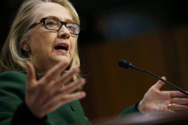 Hillary Clinton a répété «assumer la responsabilité» des... (Photo: Reuters)