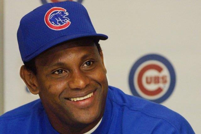 Sammy Sosa dans l'uniforme des Cubs en 2001.... (Archives AP)