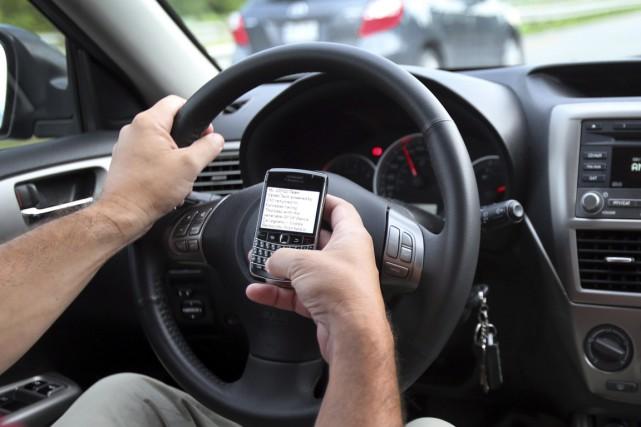 «Texter ou conduire; faut choisir.» C'est le thème de la campagne qu'ont... (PHOTO ARCHIVES LA PRESSE CANADIENNE)