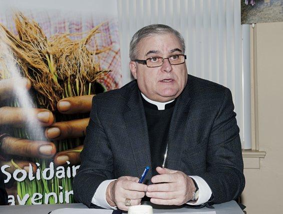 Mgr Luc Cyr... (Imacom, Claude Poulin)
