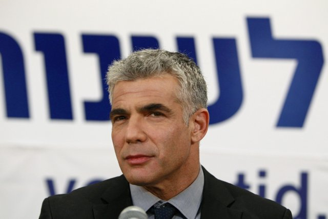 Yaïr Lapid, chef du jeune parti Yesh Atid,... (PHOTO AMMAR AWAD, REUTERS)