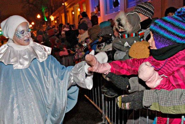 Cette année, les défilés de nuit auront lieu... (Photothèque Le Soleil, Pascal Ratthé)