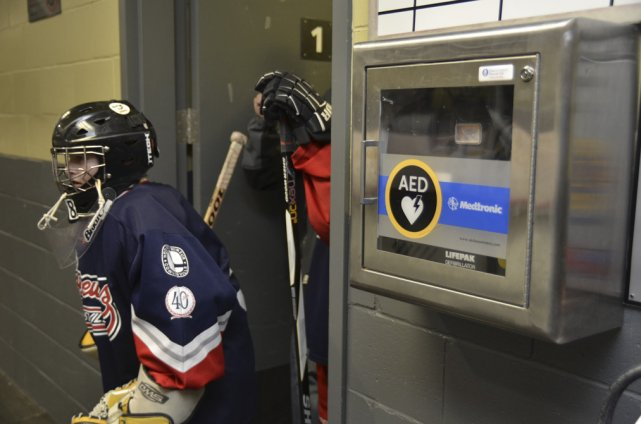 Les hockeyeurs peuvent jouer en paix.... (photo Stéphanie Mantha)