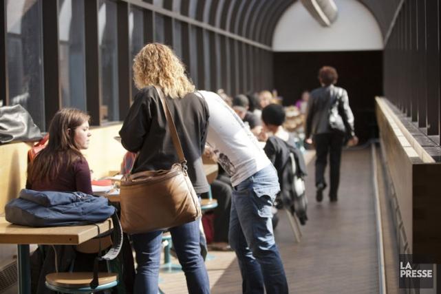 Les droits de scolarité augmenteraient de 46$ par... (Photo Ninon Pednault, archives La Presse)