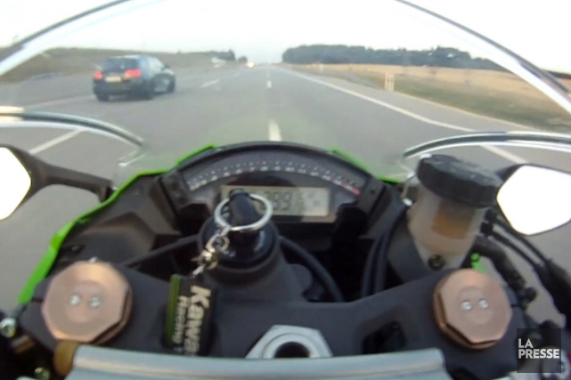 Se faire doubler à 299 km/h sur l'Autobahn,... (Image YouTube)