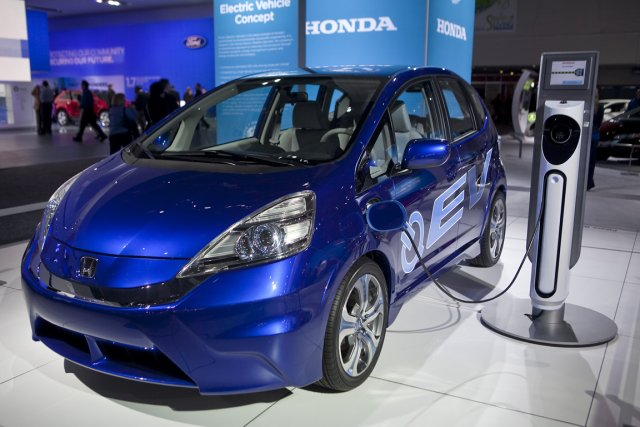 Les constructeurs de véhicules électriques doivent améliorer la... (Photo Andrew Harrer, archives Bloomberg)
