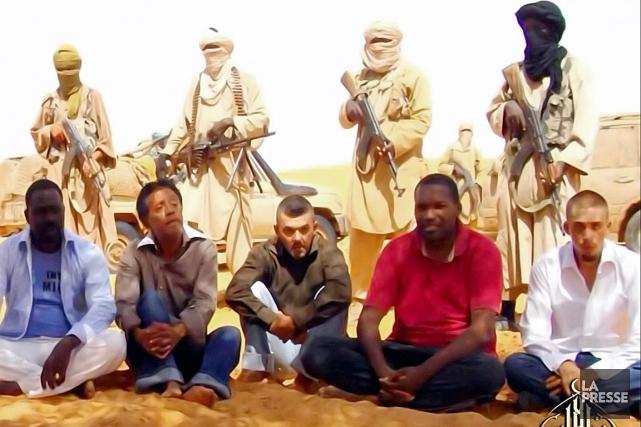 Sept otages français sont retenus par des groupes... (IMAGE ARCHIVES AFP/AL-ANDALUS)