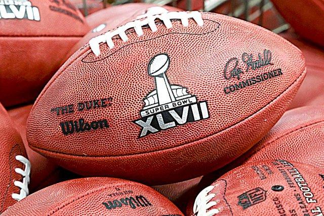 Il n'y a pas que sur le terrain de football que la partie s'annonce rude... (AP)