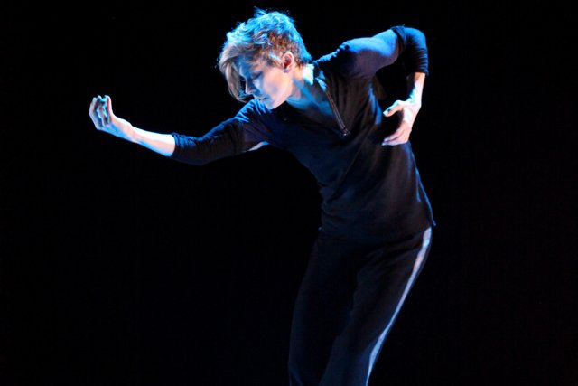 Louise Lecavalier... (Photo: Ursula Kaufmann, collaboration spéciale)