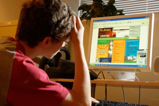 Les adolescents qui ont des idées suicidaires peuvent... (PHOTO BOB SKINNER, ARCHIVES LA PRESSE)