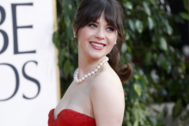 Zooey Deschanel dons a wedding gown   Daily Mail Online