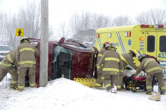 Un automobiliste a été blessé, ce midi, après... (Photo: Stéphane Lessard)