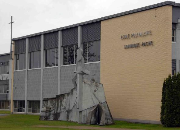 École secondaire de l'Odyssée / Dominique-Racine.... ((Archives))