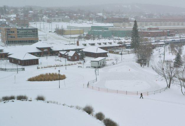 Après un mont de ski et un lac, une plage urbaine prendrait forme en plein... (Imacom, Maxime Picard)