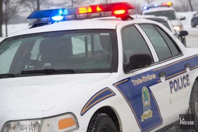 Quatre policiers de la Sécurité publique de Trois-Rivières... (Photo: Stéphane Lessard)
