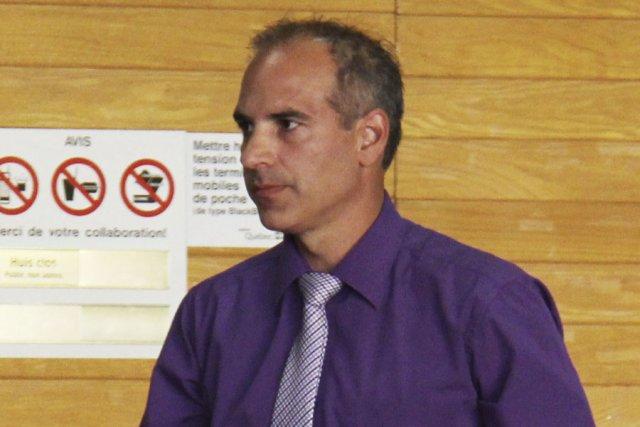 Le policier Michel Champagne... (photo archives La Voix de l'Est)