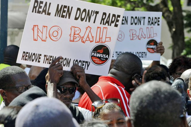 Une vague de protestations a déferlé sur l'Afrique... (PHOTO REUTERS)